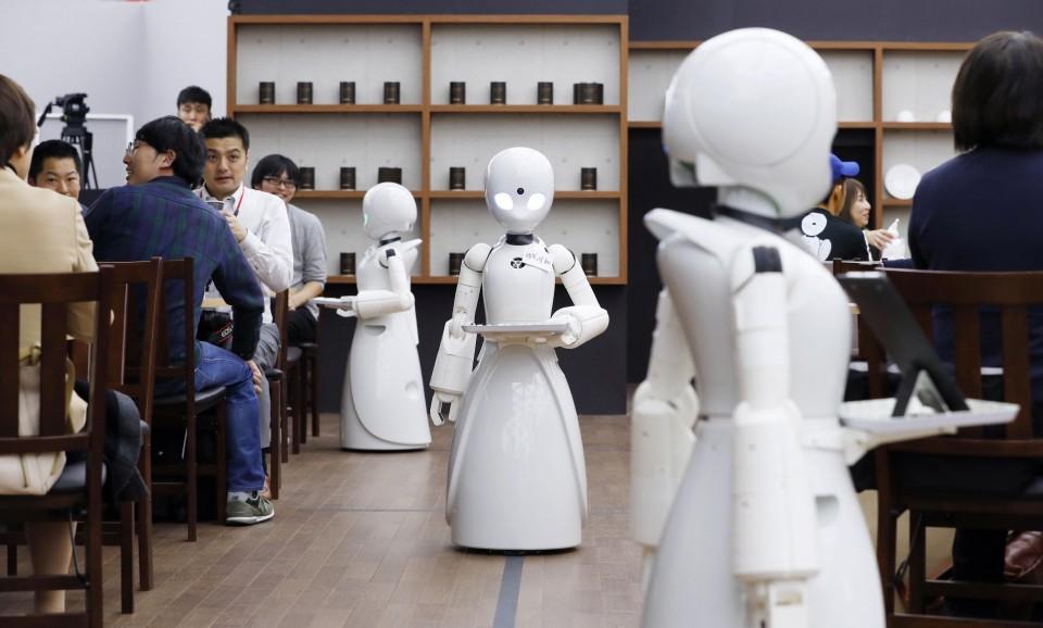 Inovasi Terbaru Robot Pelayan Kafe Sudah Ada di Jepang